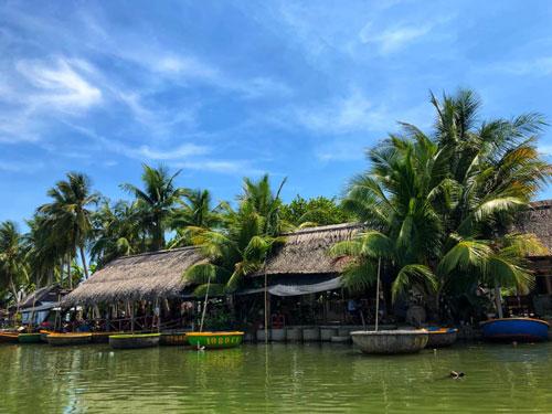 nhà hàng rừng dừa